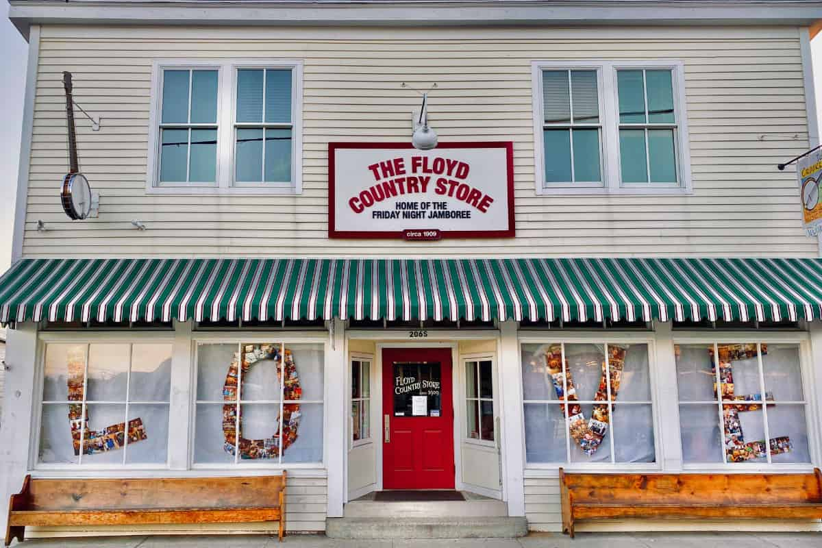 Floyd Country Store Exterior Love 2020