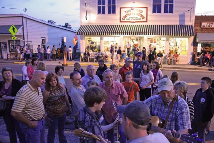Storefront Street Musicians